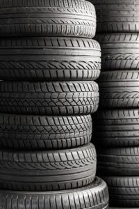mature, tires, auto tires-2954603.jpg
